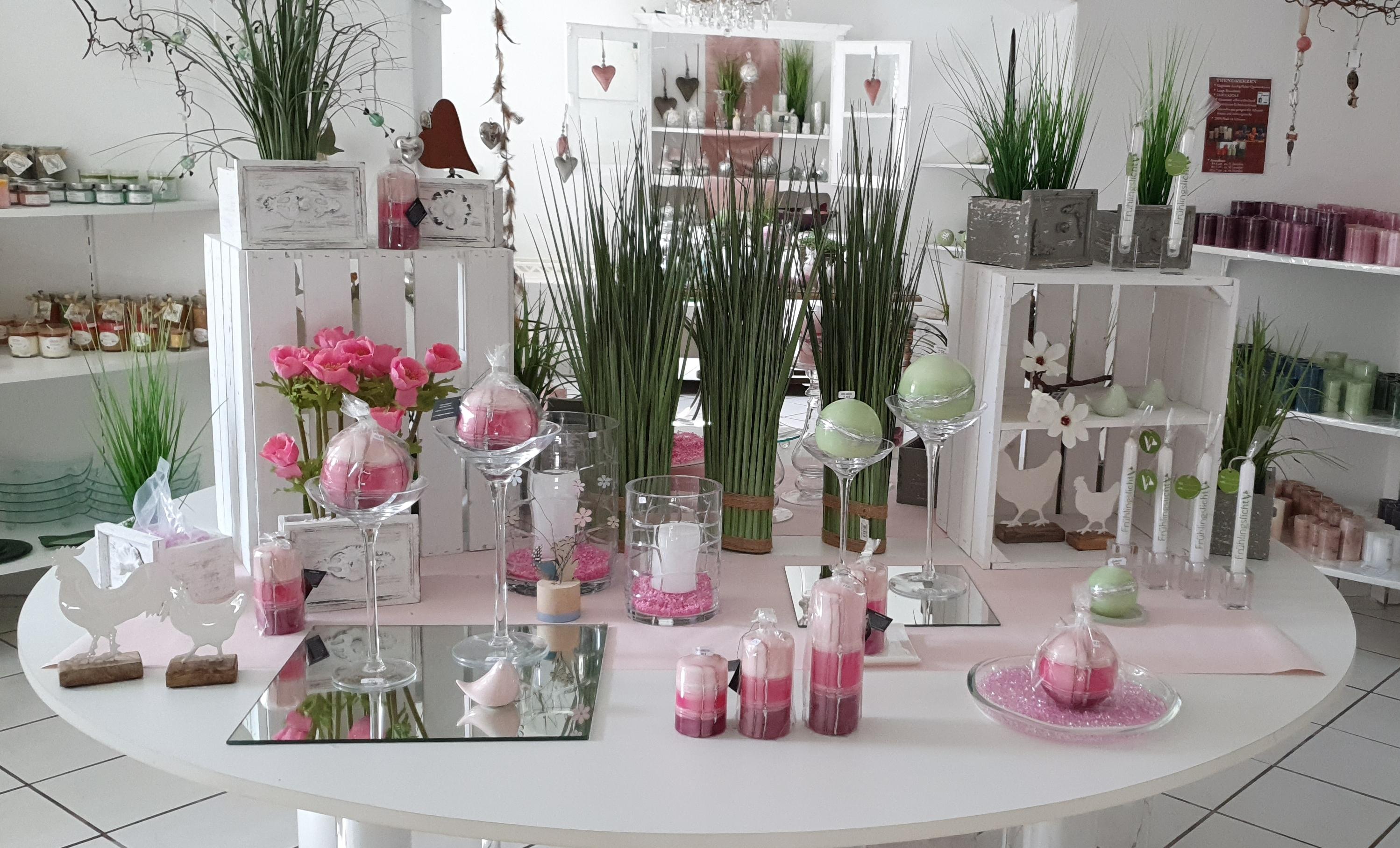 Kerzenfachgeschaeft-Fluegel-2020-Fr-hjahr-Mitteltisch